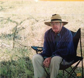 Ulick at Shannon's house in Cooma early 2002. Ulick was invited to be the guest performer at the Numeralla folk festival.
